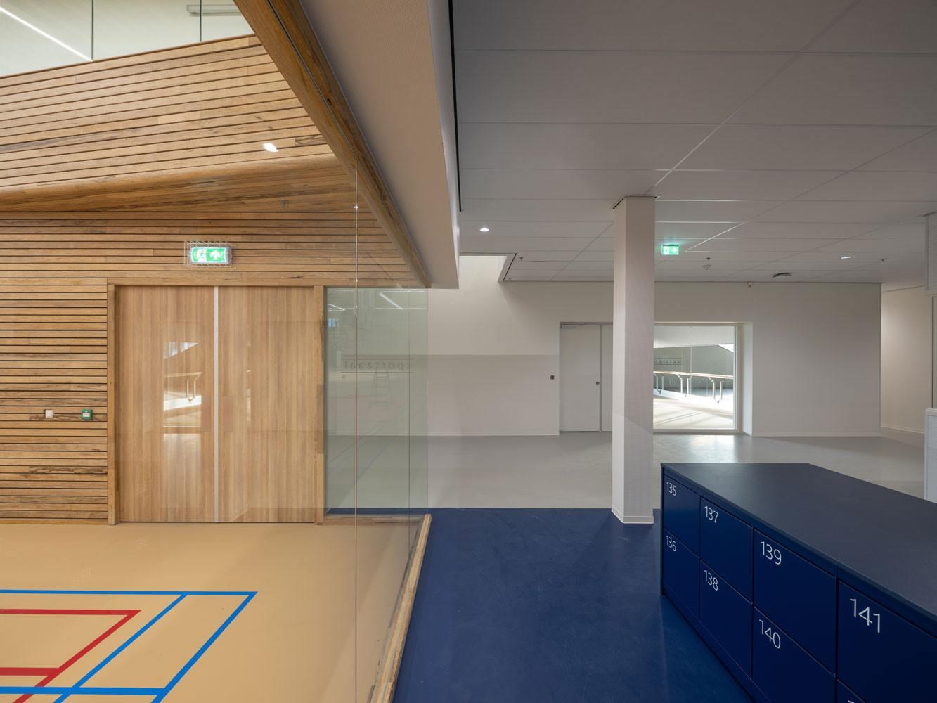 Sportcentrum-Europapark_hal-sporthal_VenhoevenCS-Ossip-1333x1000